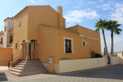 Casa esquina - En venta - Algorfa - Alicante