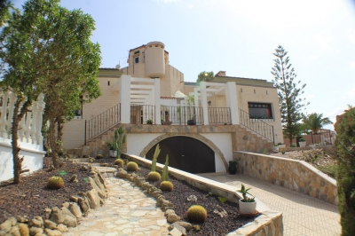 Villa - For sale - Algorfa - Alicante