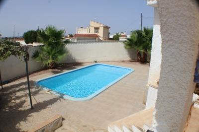 Villa - For rent - Rojales - Alicante