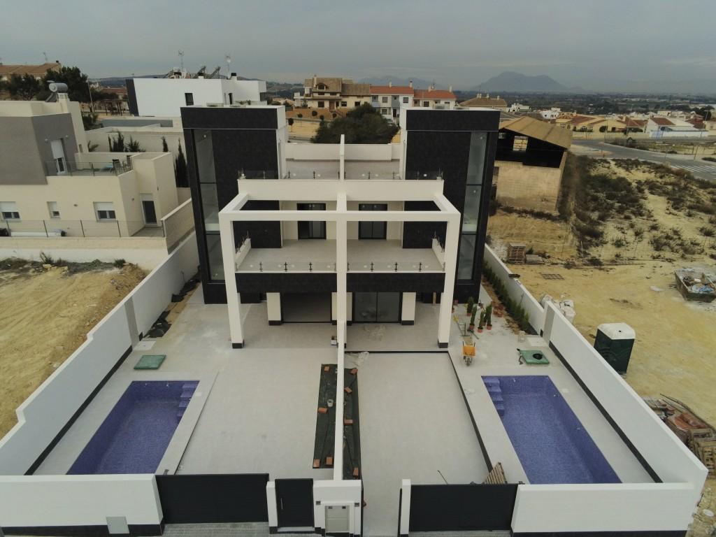 Villa - For sale - Benijófar - Alicante