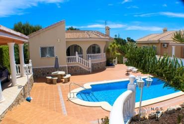 Villa - For sale - Ciudad Quesada - Alicante
