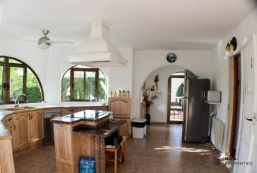 Villa - For rent - Torrevieja - Alicante
